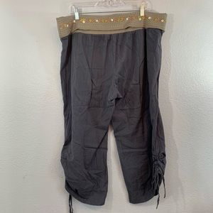Lilka Anthropologie cropped lounge pants, size XL